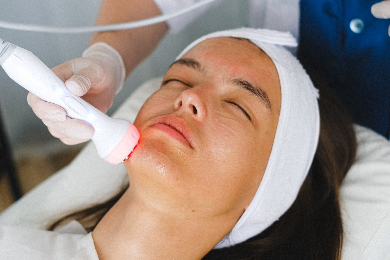 What to Expect During Your Microdermabrasion Session article image by Bliss Skincare